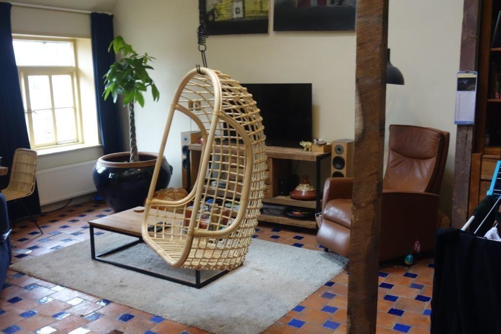 Design Stoelen Tweedehands Marktplaats.Hangstoel Rotan In Kleuren Beige Of Zwart Op Op Stoelen