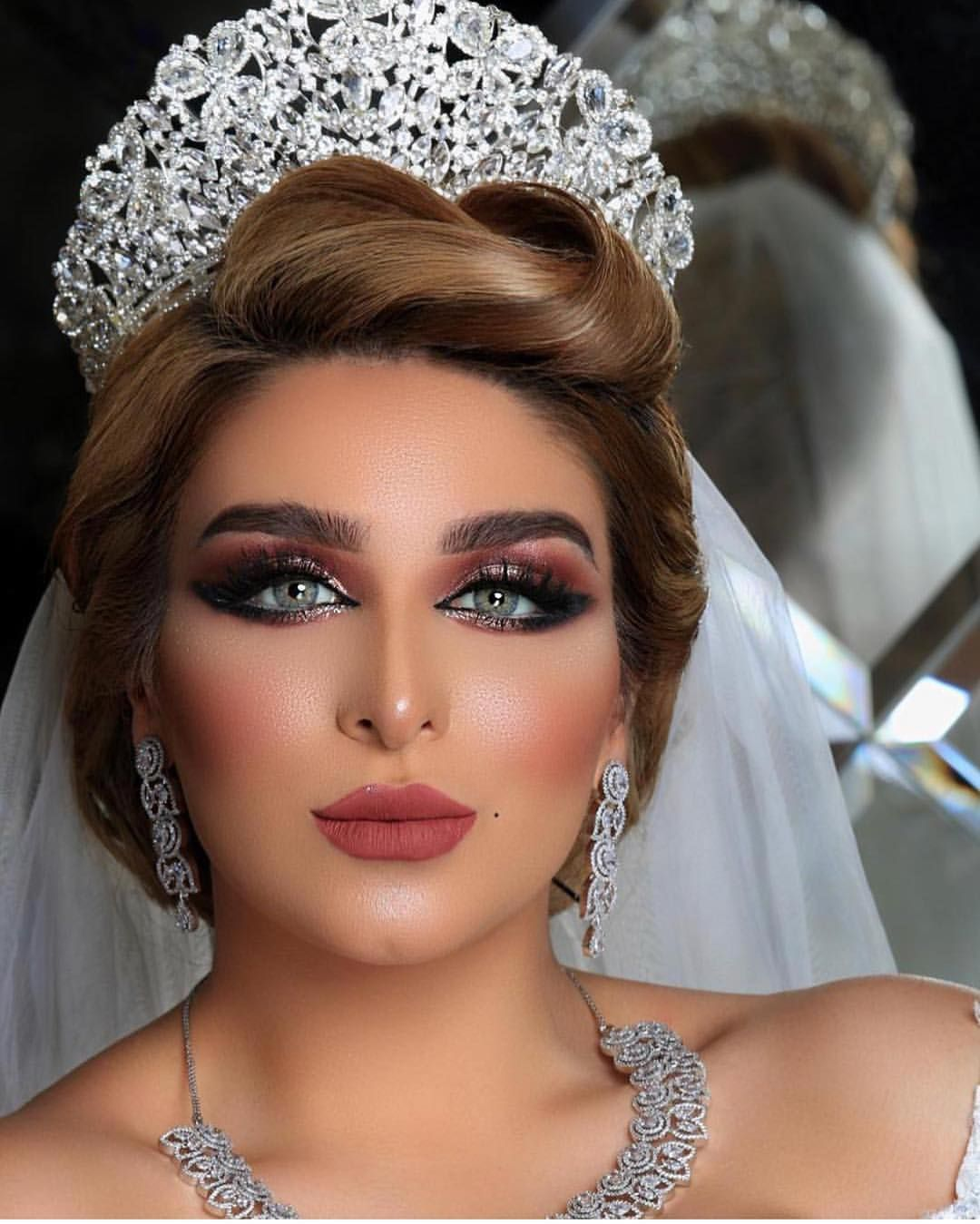 Pin On Fabulous Bridal Hair Makeup And Accessories