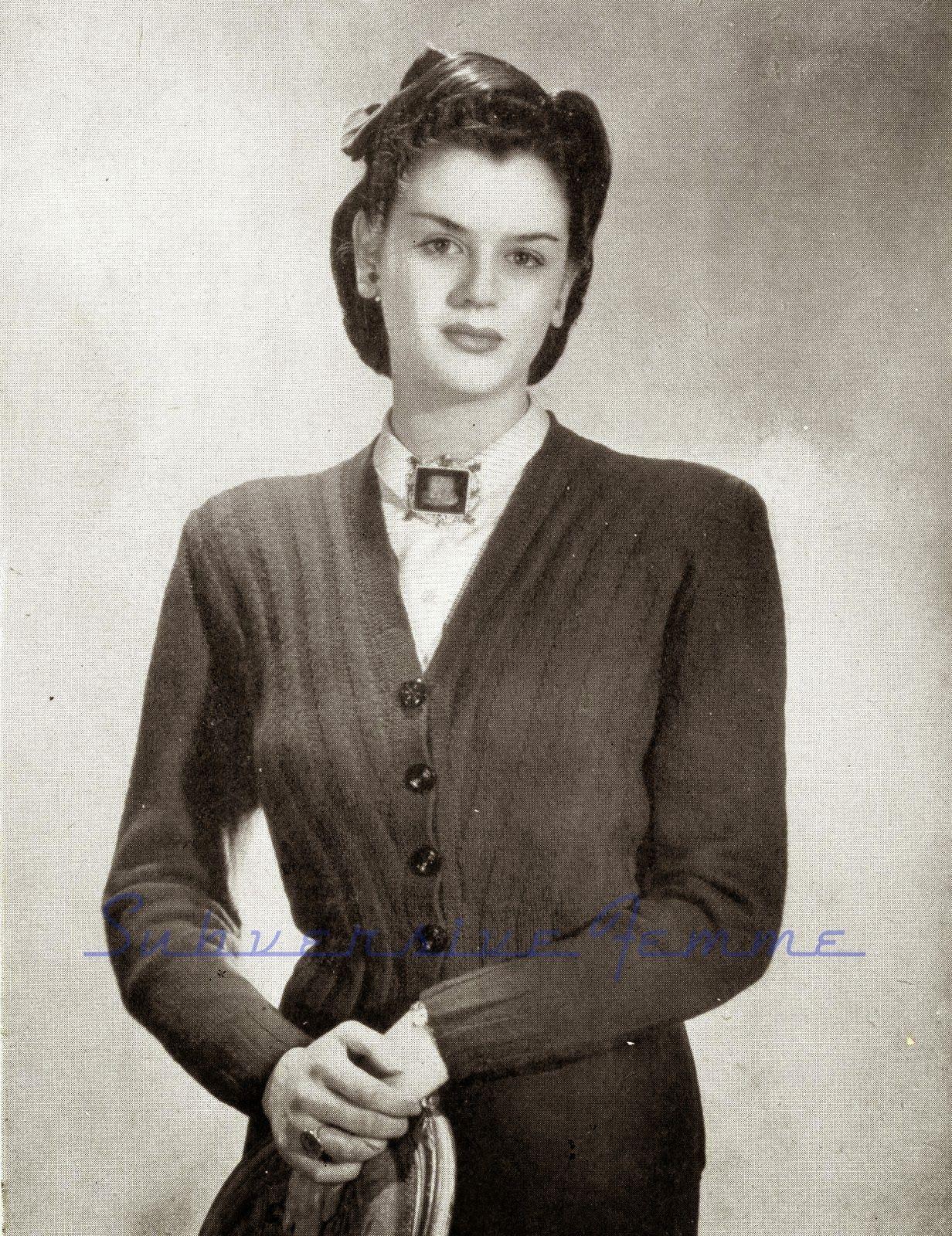 1940s war era free vintage knitting pattern plus size vogues 24th 1940s war era free vintage knitting pattern plus size vogues 24th knitting book bankloansurffo Choice Image