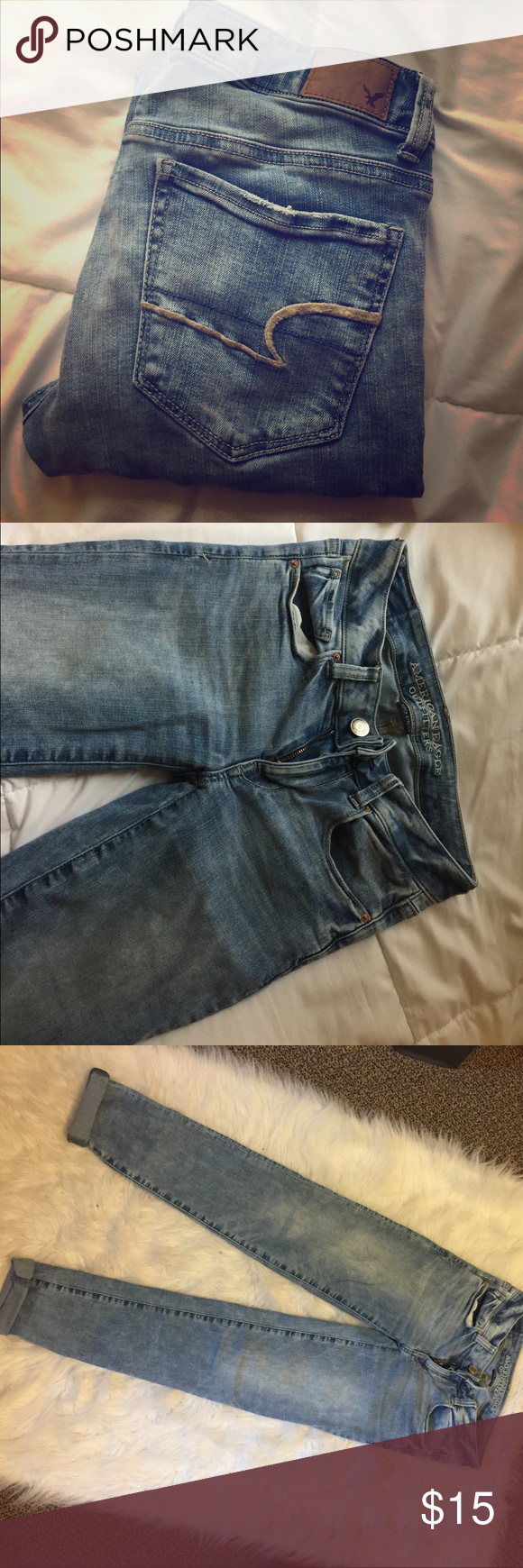 American Eagle Skinnies Cute light wash American eagle skinnies size 00 American Eagle Outfitters Jeans Skinny