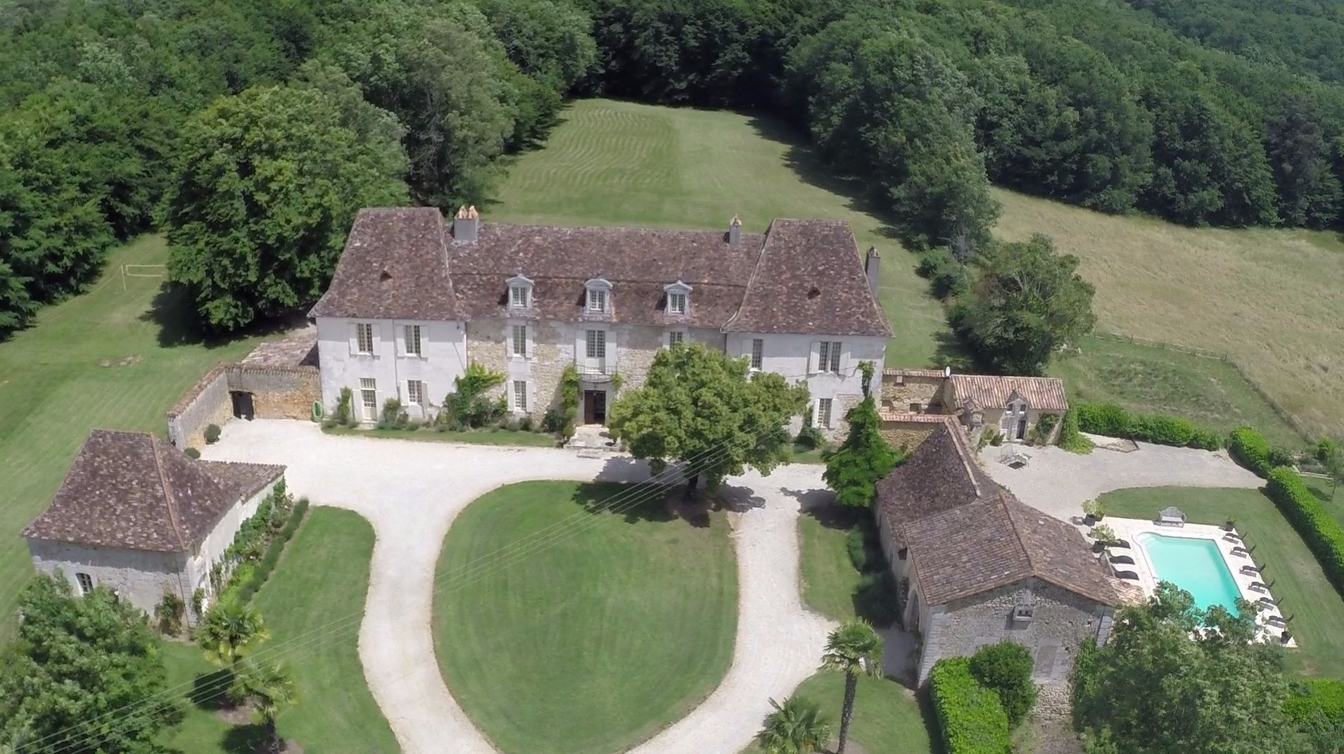 Chateau Pool 1 Jpg 1 910 1 072 Pixels French Chateau Mansion Plans Holiday Rental