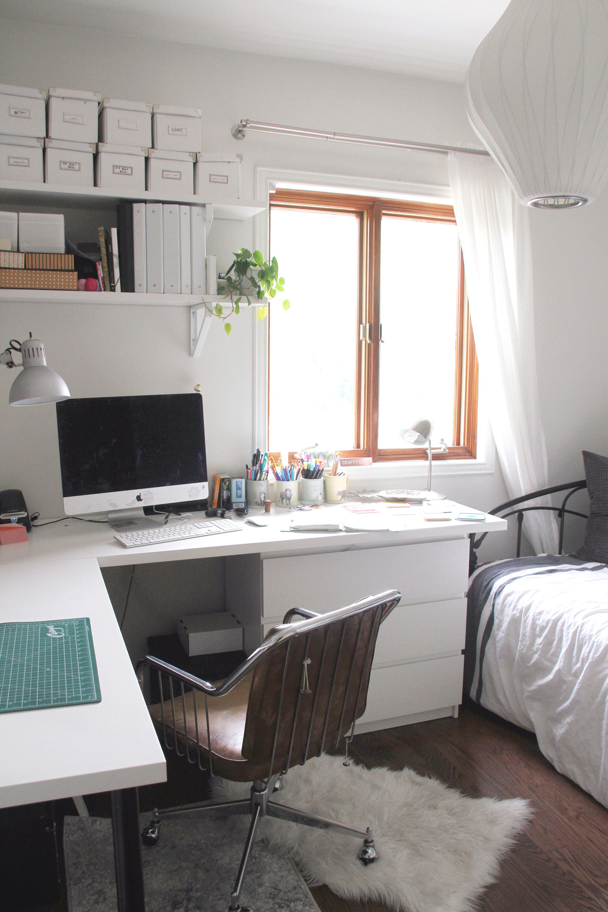I love this home office space! It\'s so clean and calming, and i love ...