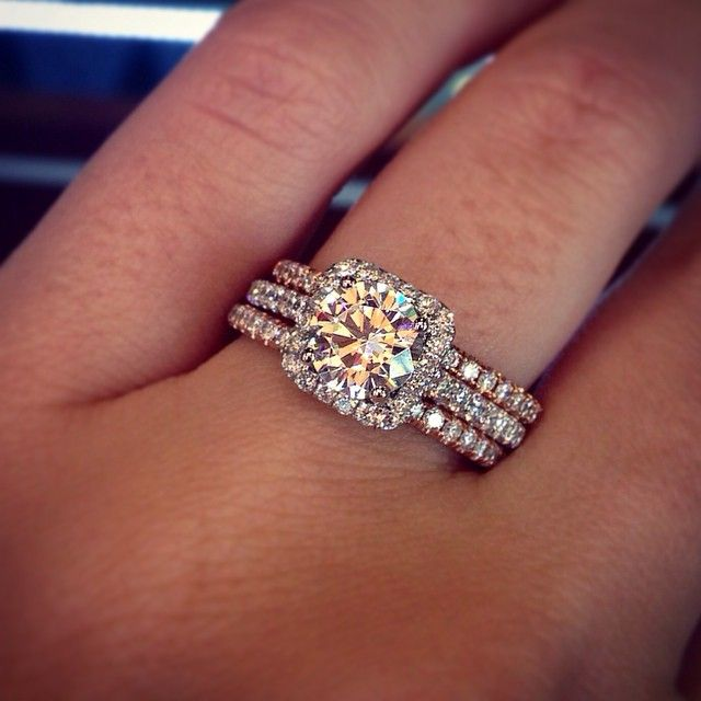 Halo Engagement Ring With Rose Gold Wedding Bands Rings Aisle Perfect
