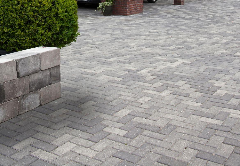 Wonderbaarlijk BKK - betonklinker grijs zwart - opritsteen - voorbeeld oprit WM-24
