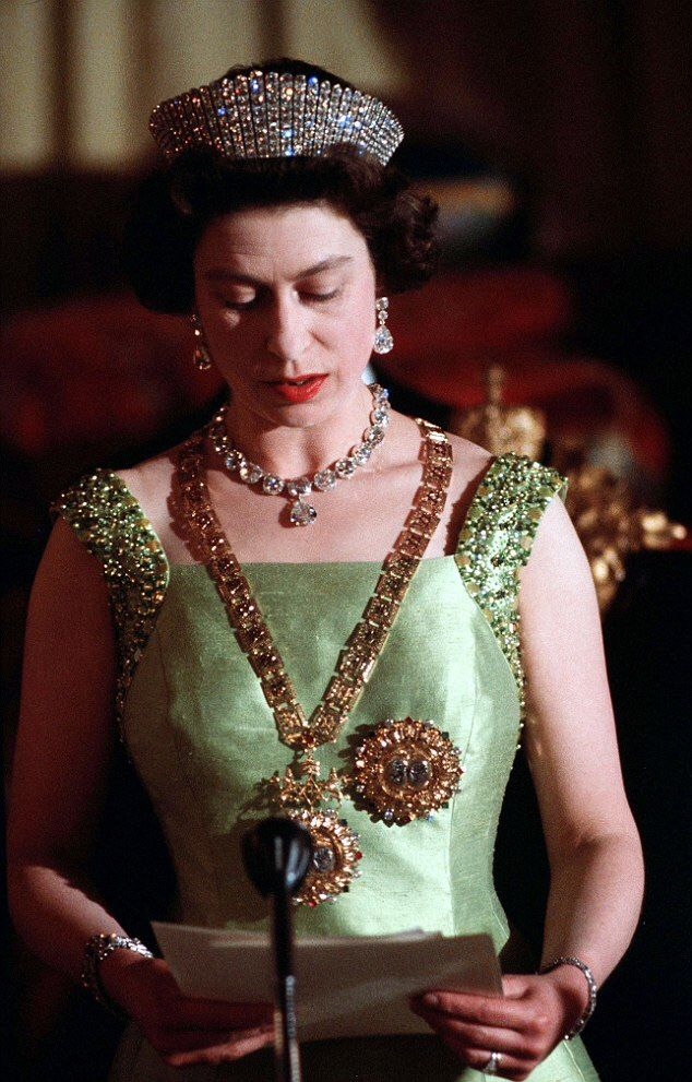 Queen Elizabeth Ii During A State Visit To Ethiopia 1965 Elizabeth Ii Queen Elizabeth Royal Jewelry
