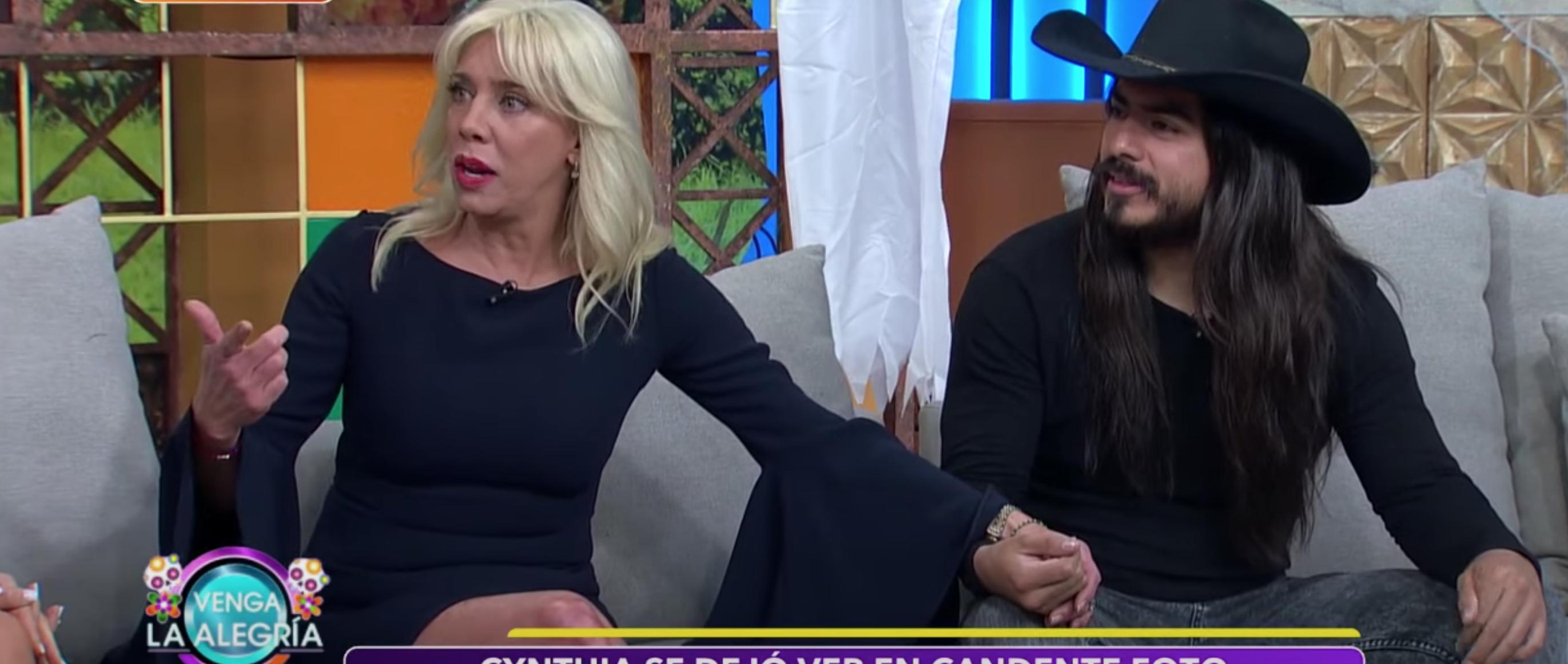 La Verdadera Razon Por La Que Cynthia Klitbo Desnudo Su Romance Con Rey Grupero Rey Mujer Feminista Diferencia De Edad