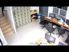 ชายแตงกายคลายทหารบกชกแหลก เหตหงหวง : Khaosod TV http://www.youtube.com/watch?v=UgQKlNSw9Os