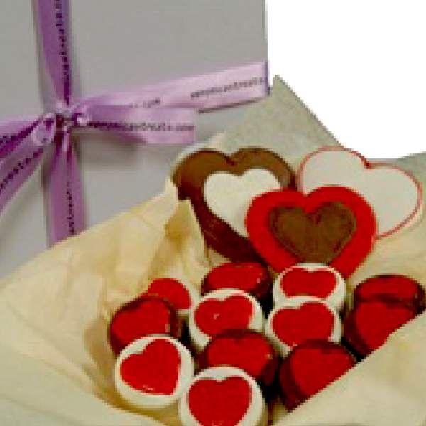 oreo® cookie gift box, hearts for valentine day. | valentine, Ideas