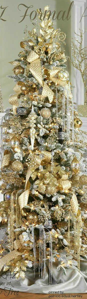 i love a gold and silver christmas tree decor
