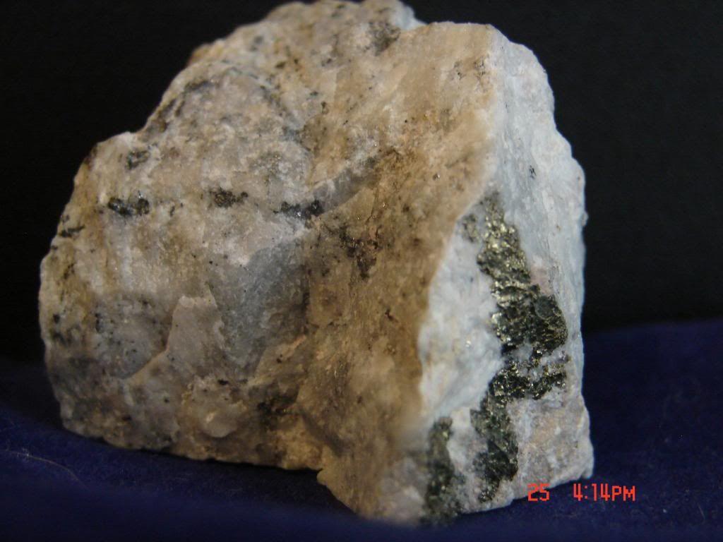 Gold Ore Quartz brown quartz with gold...