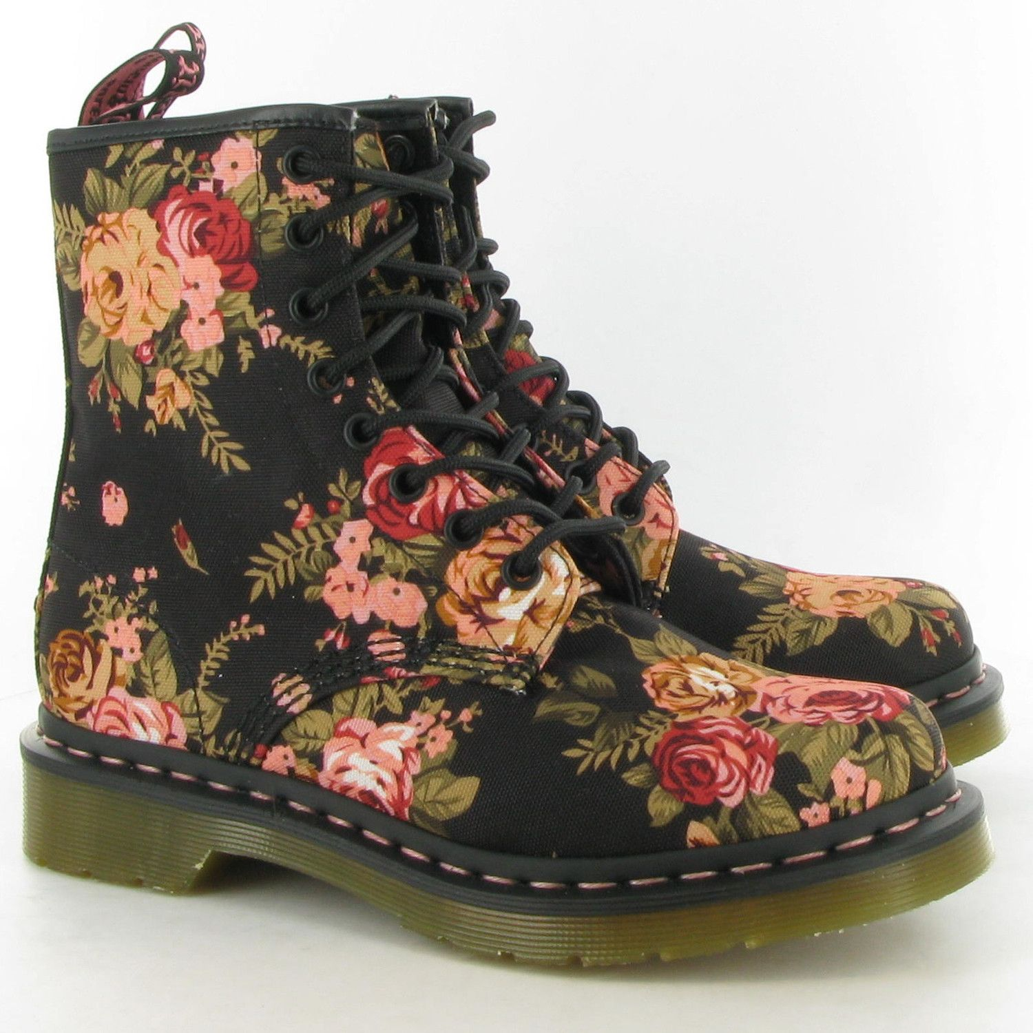 Excellent Womens Vintage Black Canvas Victorian Floral Dr Martens 1460 Style, 8 Eye Boot Excellent Condition Size 7, Fits A Womans 75 Traditional, Vintageinspired Design, It Offers A Distinctly Feminine, Soft Spin On The Classic 8eye Boot