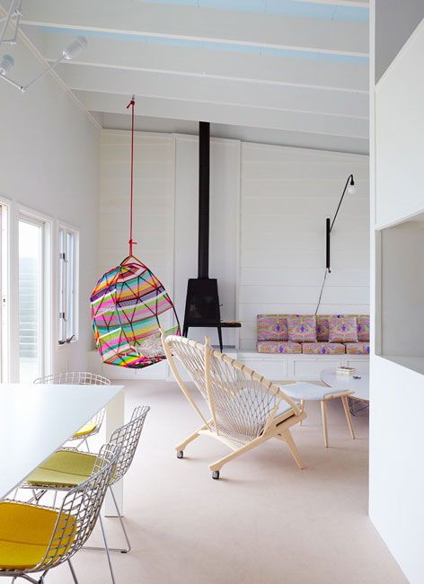 Swing Yes Looks Like Built In Base With Cushions For The Sofa Love The Cushion Fabric An Woonideeen Binnenhuisarchitect Interieurontwerp Voor Appartementen