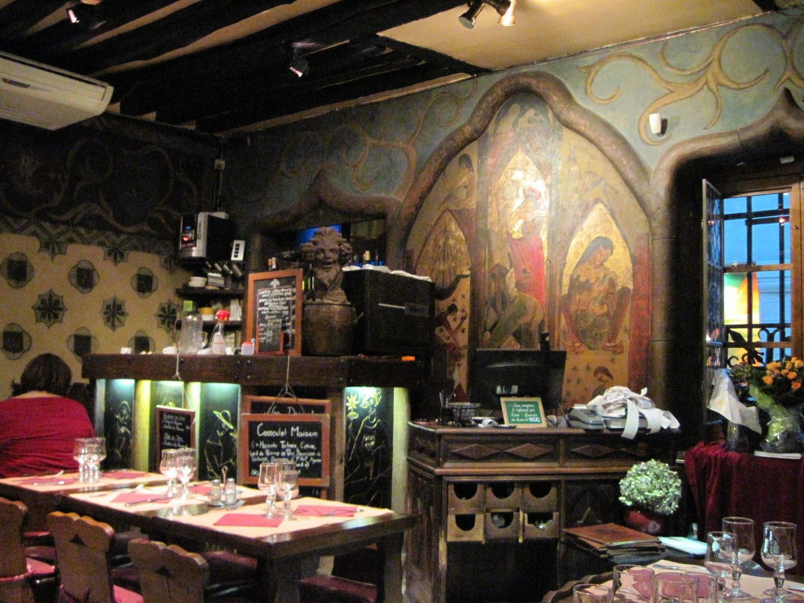 Aux Anysetiers Du Roy A Very Old French Restaurant On Ile St Louis Paris Just Love Sitting There And Looking At The Stuff Walls