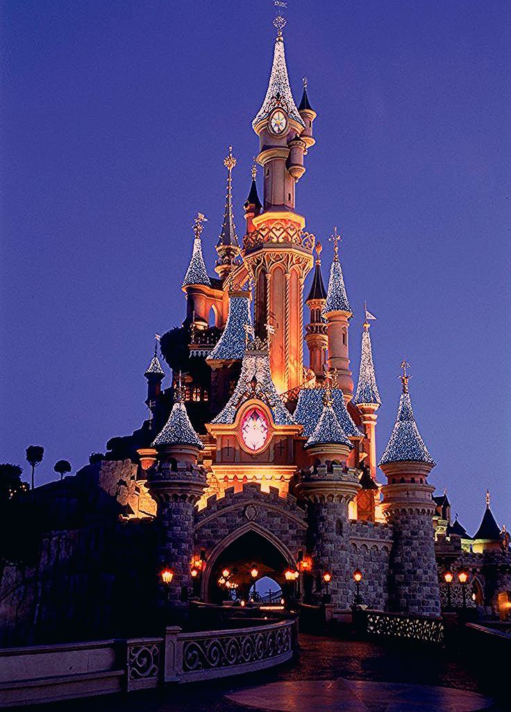 Photo of Disneyland Paris Celebrates the Holiday Season