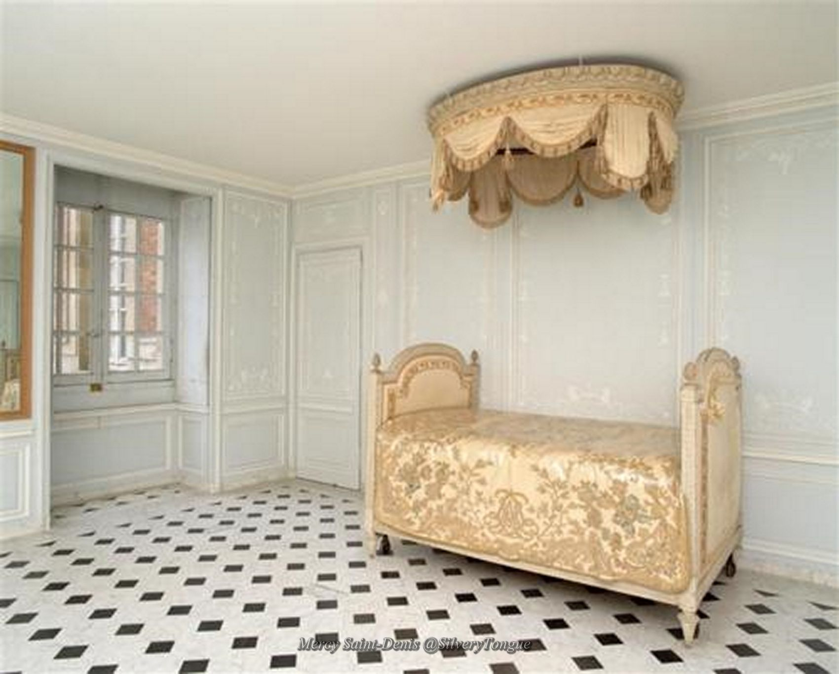 the bathroom apartment of marie antoinette at versailles