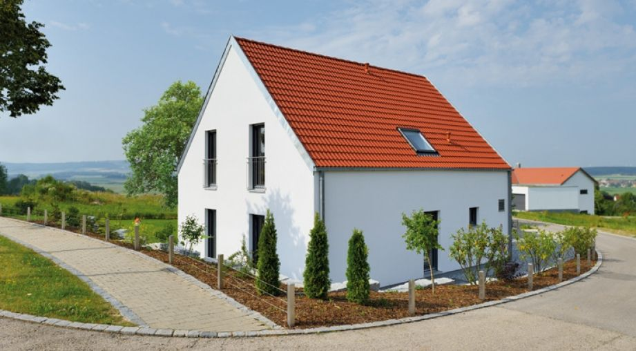 haus_thumb1_2.jpg 921×508 Pixel #Hausfarbe #Dach