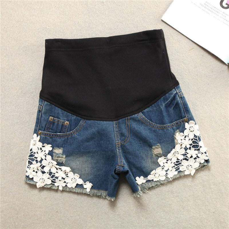 75d2acfa0 Denim Maternity Shorts with floral embellishments Outfits Embarazadas