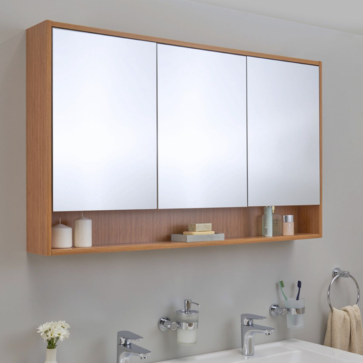 Vitra Integra Extra Large 120cm Mirror Cabinet In 2021 Mirror Cabinets Large Medicine Cabinet Cabinet