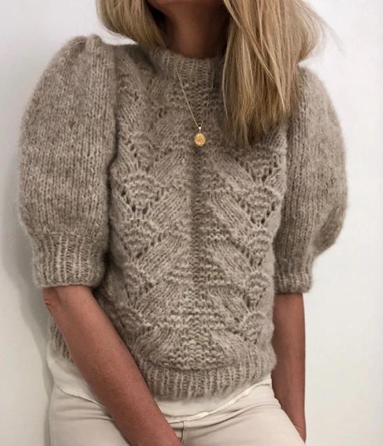 Garnhimmelen Ragnhild genseren strikket i alpaca gold