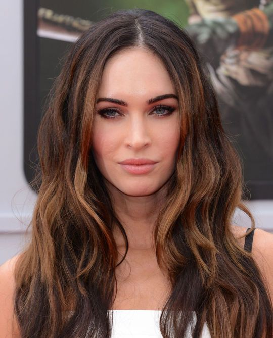 Think Megan Fox S Skin Looks Amazing Here This Is What She S Wearing Megan Fox Hair Megan Fox Hair Color Hair Styles