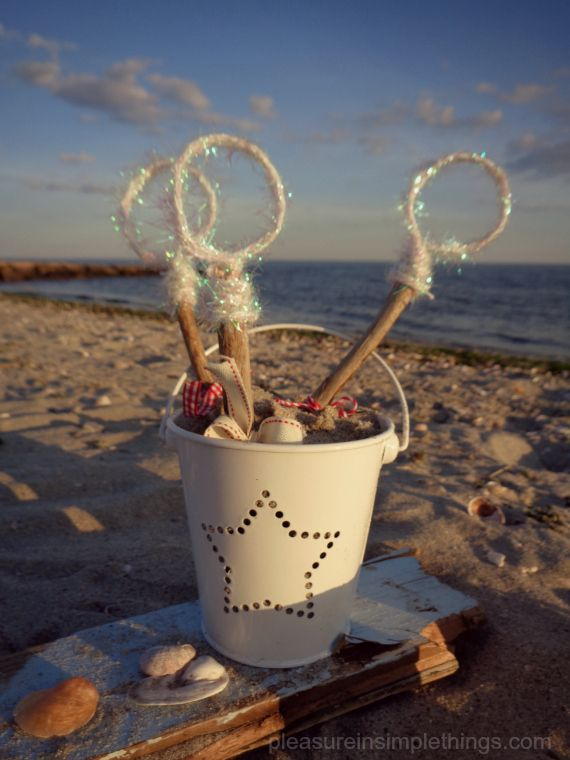 How To Craft Diy Patriotic Driftwood Bubble Wands Pleasure In