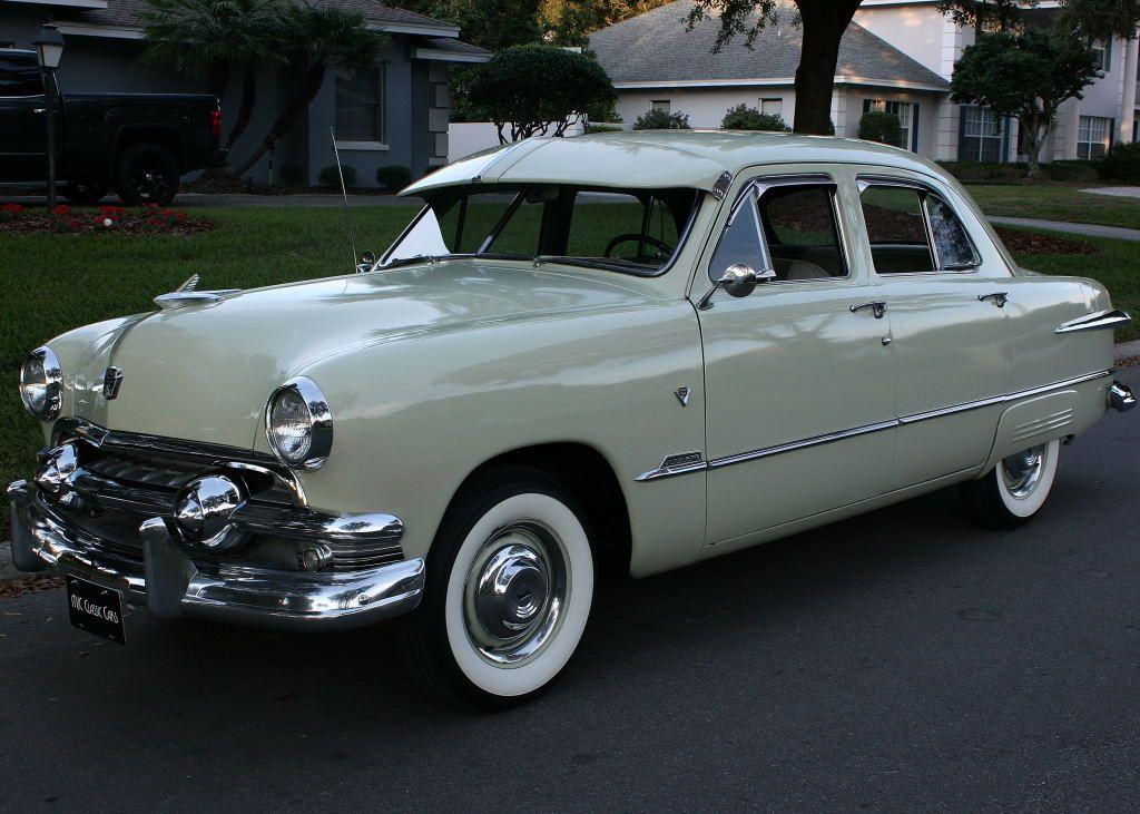 1951 Ford Custom Deluxe Fordor 4 Door Sedan Classic Vintage Cars