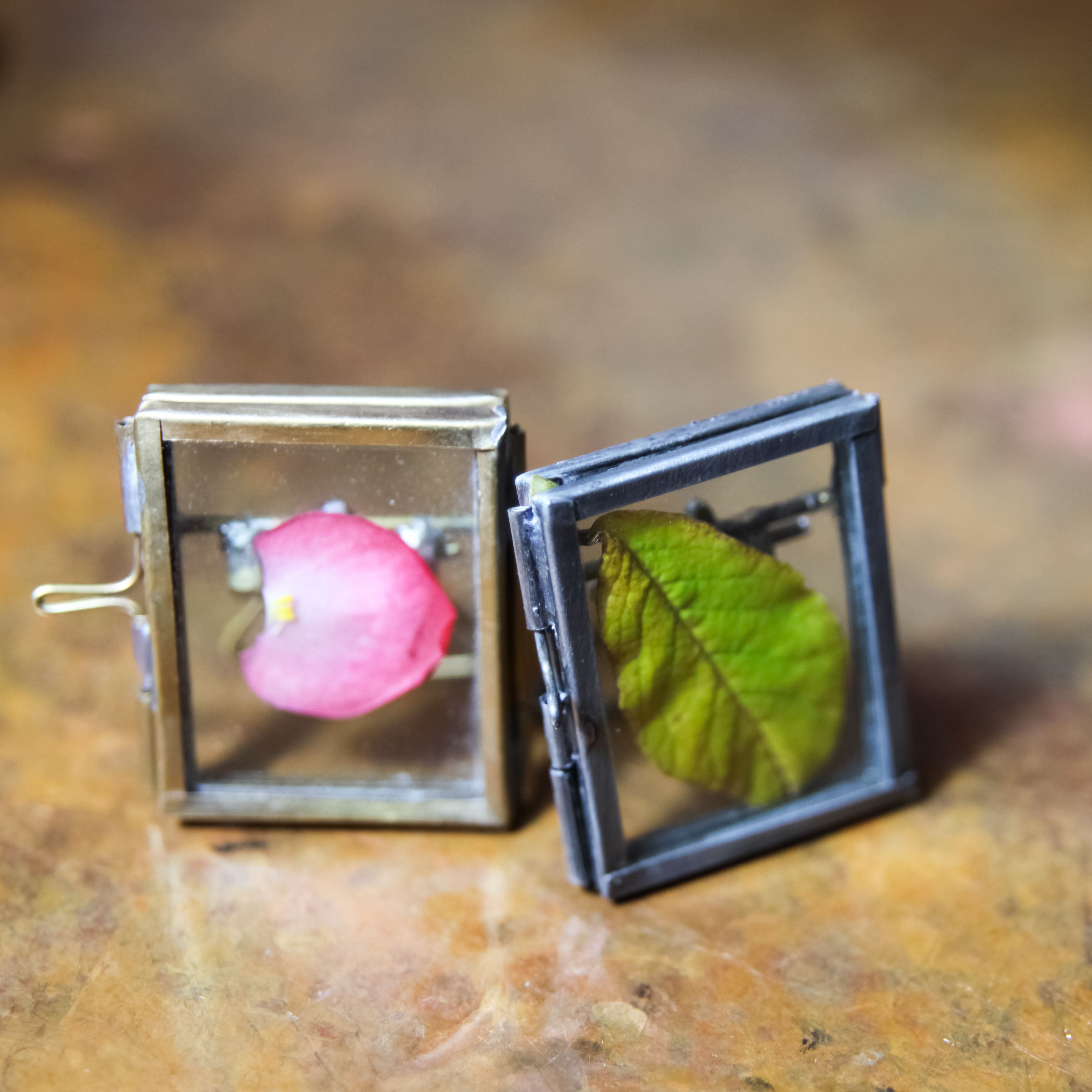 Tiny cute photo frames now in stock