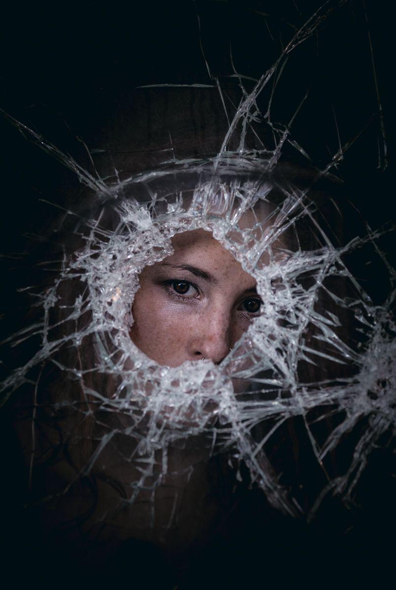 Photographer: Federico Baronti – La Zona del Crepuscolo Model: Carlotta Joy Mariani