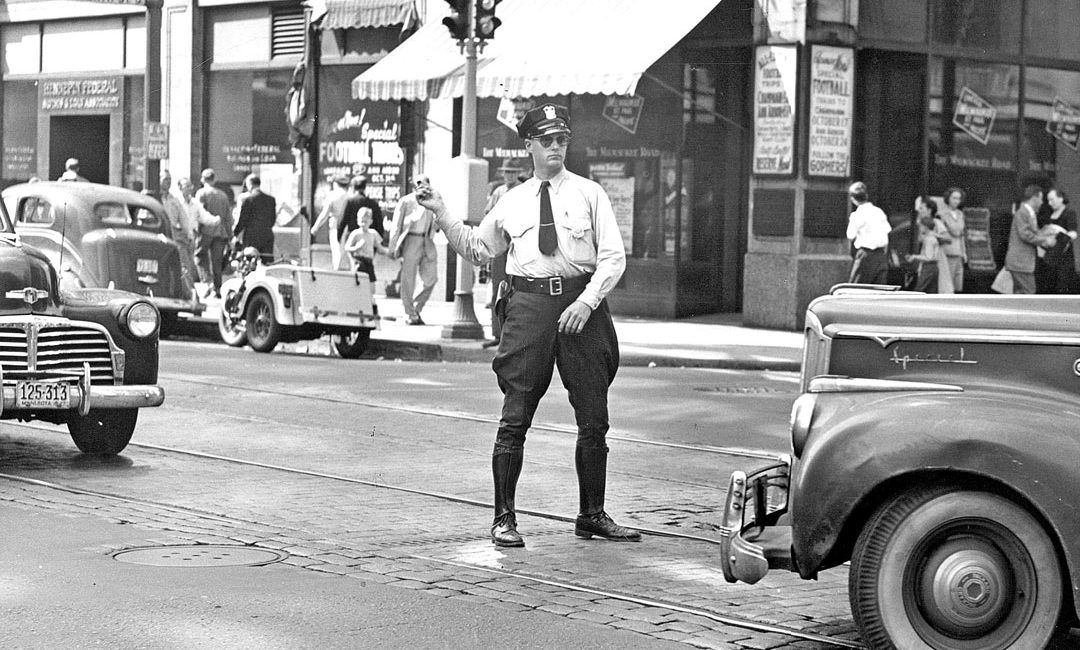 Minneapolis Police Department Patrolman Keeps Traffic In Check