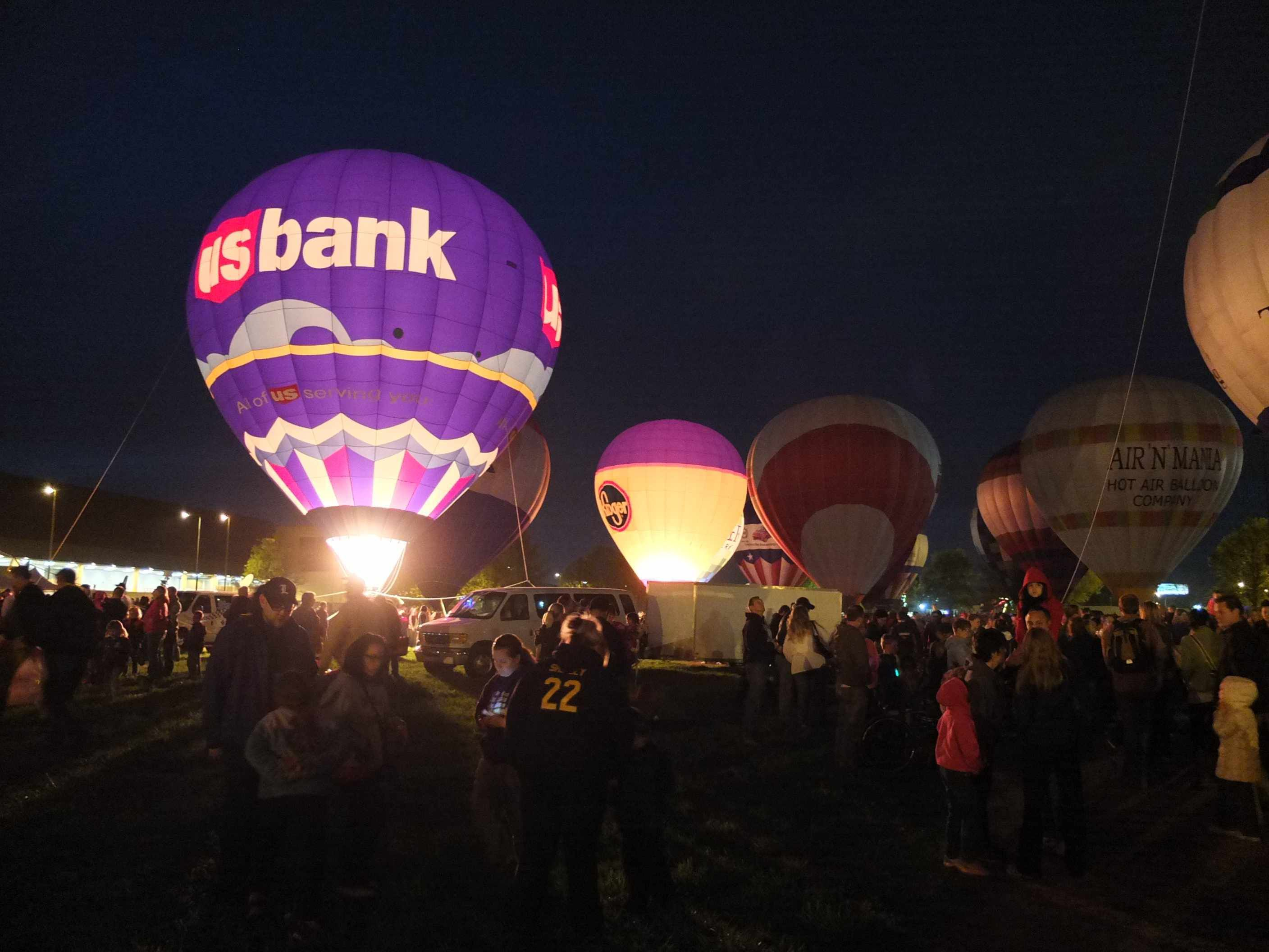 Great balloon race of the derby festival hot air balloon