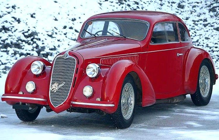 Cette Alfa Romeo 6c 2300 fut produite de 1934 à 1937 en 3 motorisation de 6 cyl, 2.3L, 68 ch, 76 ch et 95 ch, 2309 cc avec un refroidissement à eau.