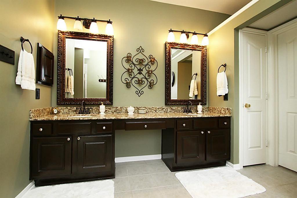 Bronze Bathroom Lights Elegancy And Durability In One Bathroom Vanity Lights Oil Rubb Bronze Bathroom Light Fixtures Bronze Bathroom Bathroom Mirror Design