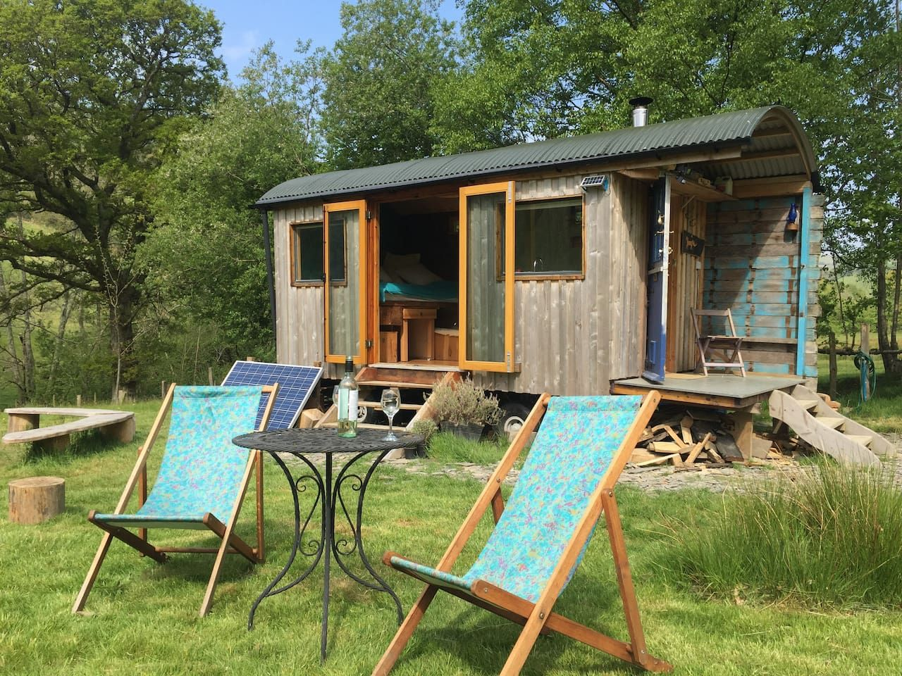 Eco-retreat with private field (ideal for dogs) - Cabins ... on Kingdom Outdoor Living id=74709