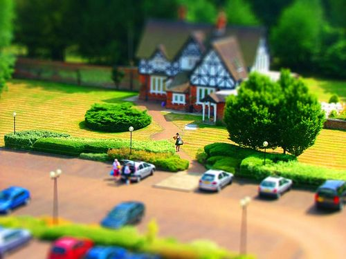 https://flic.kr/p/6Gas5Y | Tilt Shift - 2nd attempt - Photoshop | Another Tilt Shift experiment. I think this one is a better than my first. I think the fact that the gardens are manicured gives it that toy town feel. Appears that half the battle is finding a good subject and taken at the right distance or angle.