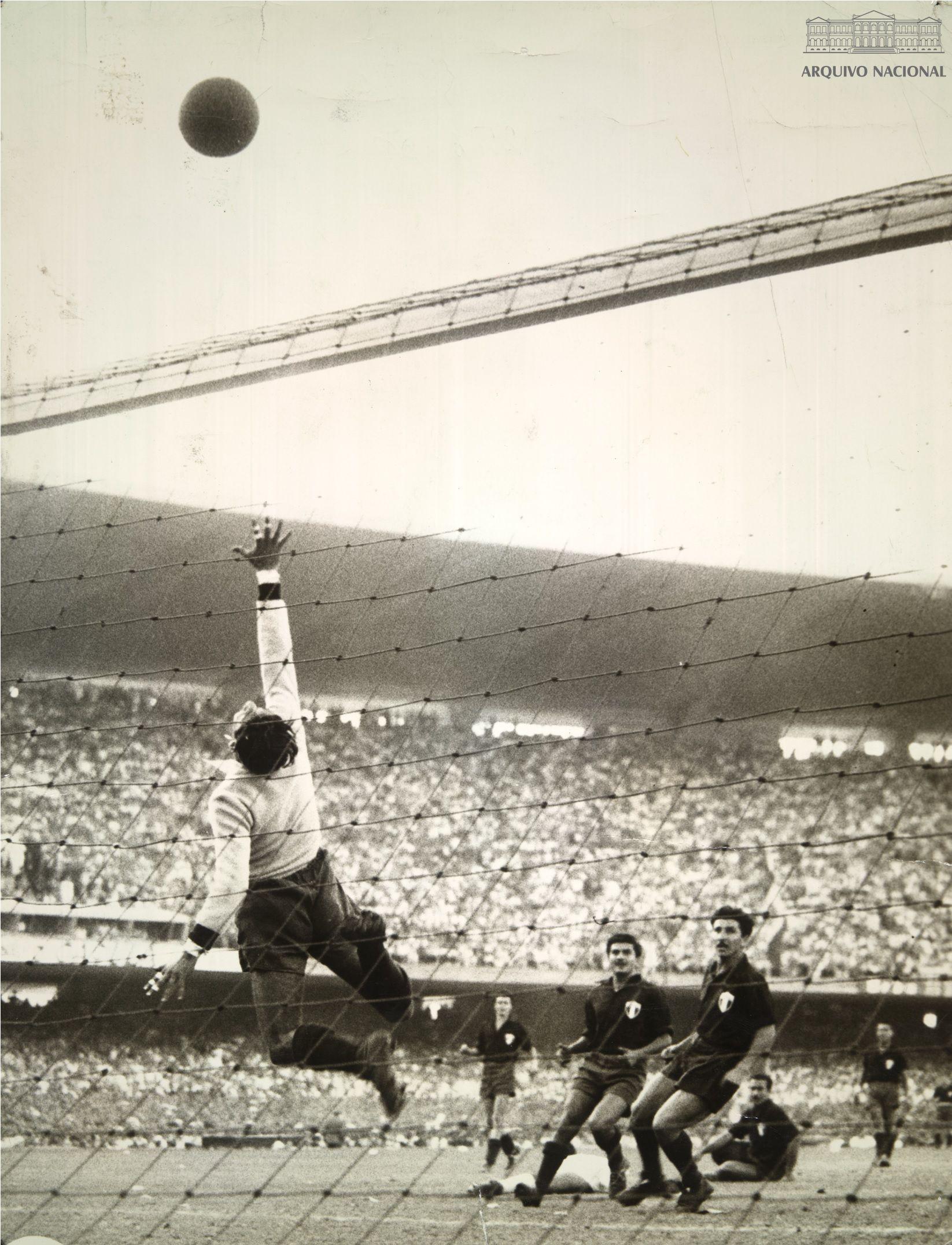 Lance Do Jogo Brasil X Mexico Valido Pela Primeira Fase Da Copa Do Mundo 24 De Junho De 1950 Arquivo Nacional Fundo Correio Da Manha Br Rjanrio Ph 0 Futbol