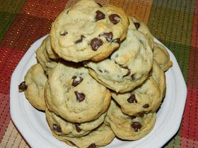 Polka-Dotty Place: EASY Chocolate Chip Cookies