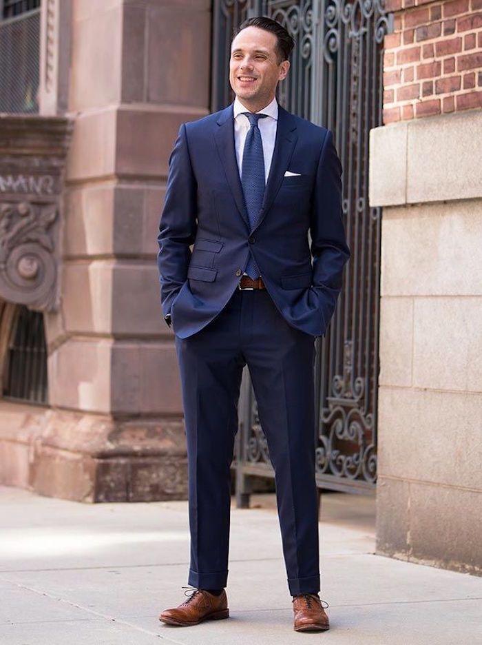 3854acc9b65a3 1001+ idées | Le costume bleu marine homme – élégance et sobriété Mode 2018