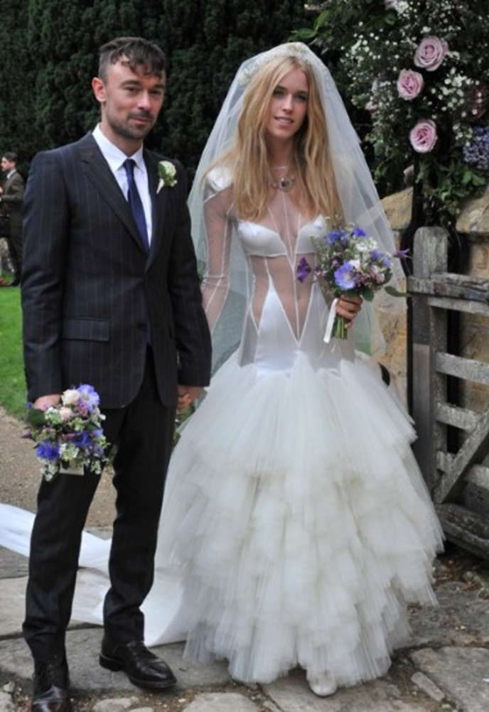 9 Ugliest Celebrity Wedding Dresses - Answers.com | OMG! LOL ...