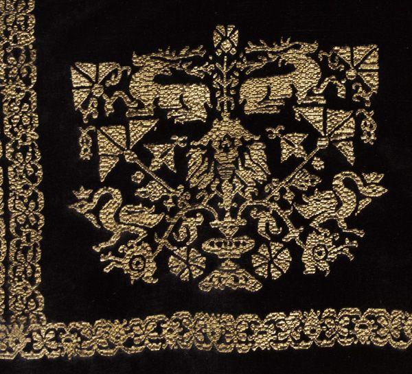 Fortuny stenciled velvet jacket (http://www.vintagetextile.com/new_page_257.htm)