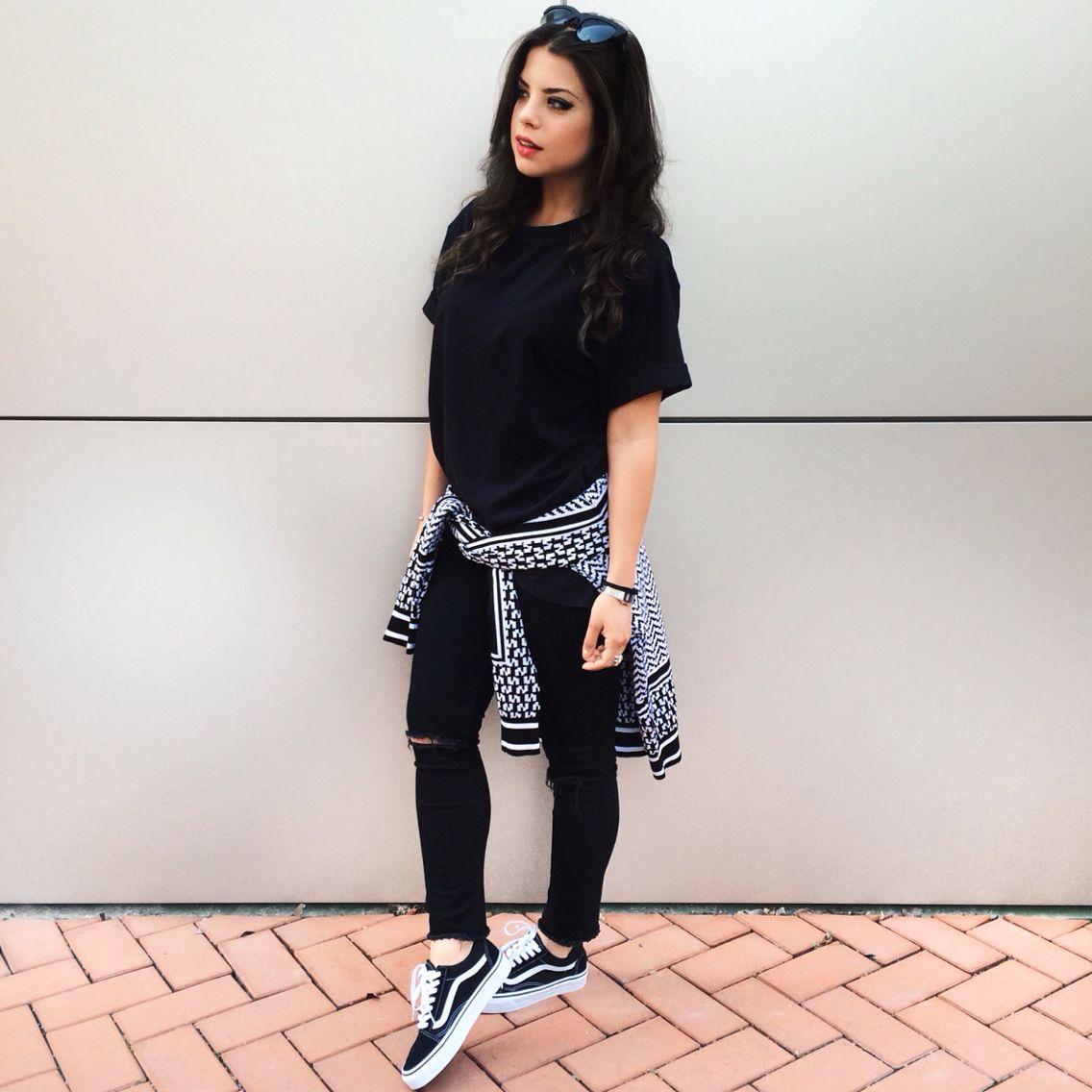 Black and White outfit with Iuter sweater Hu0026M black denim Vans old skool Instagram @myway_ | My ...