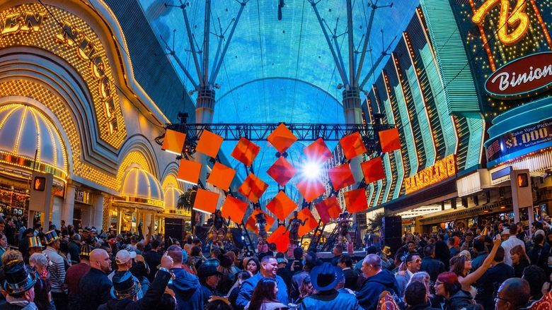 How to Explore the Luxurious Side of Las Vegas Like a