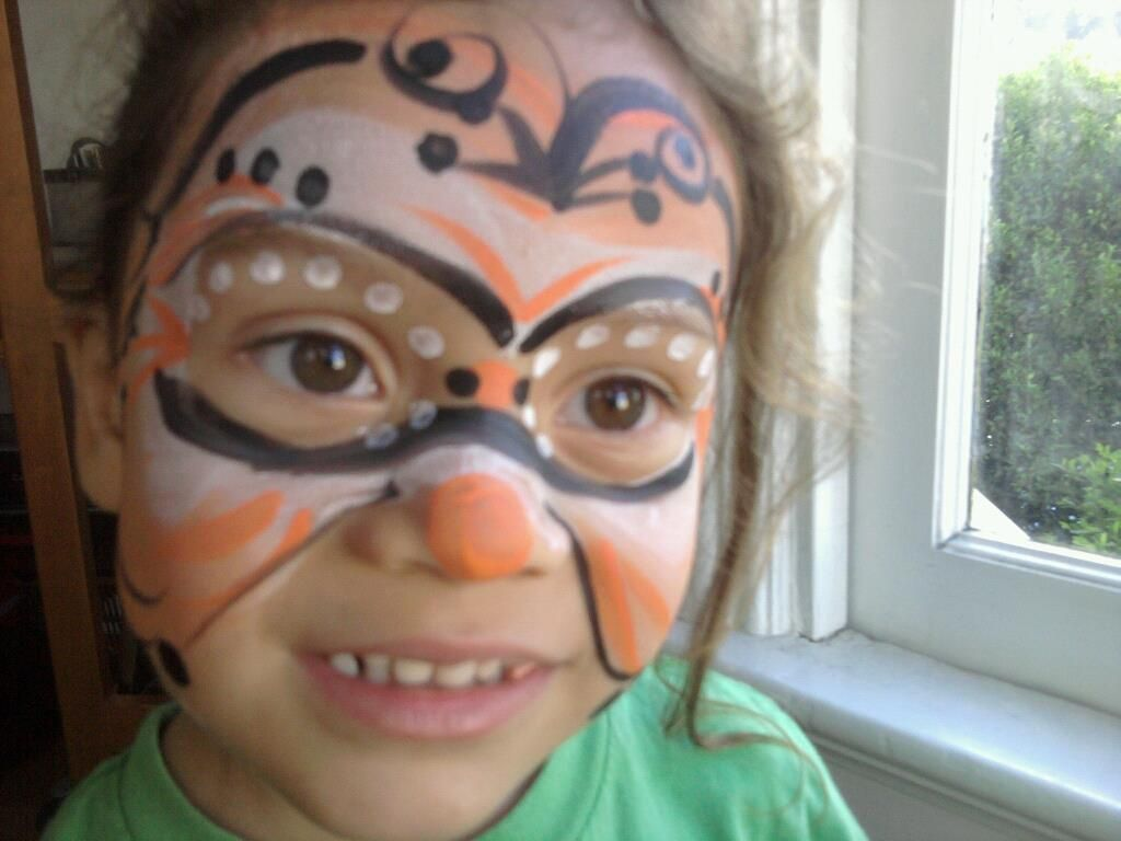 Voila! face paint by Vashti... SF Giants and Halloween inspired