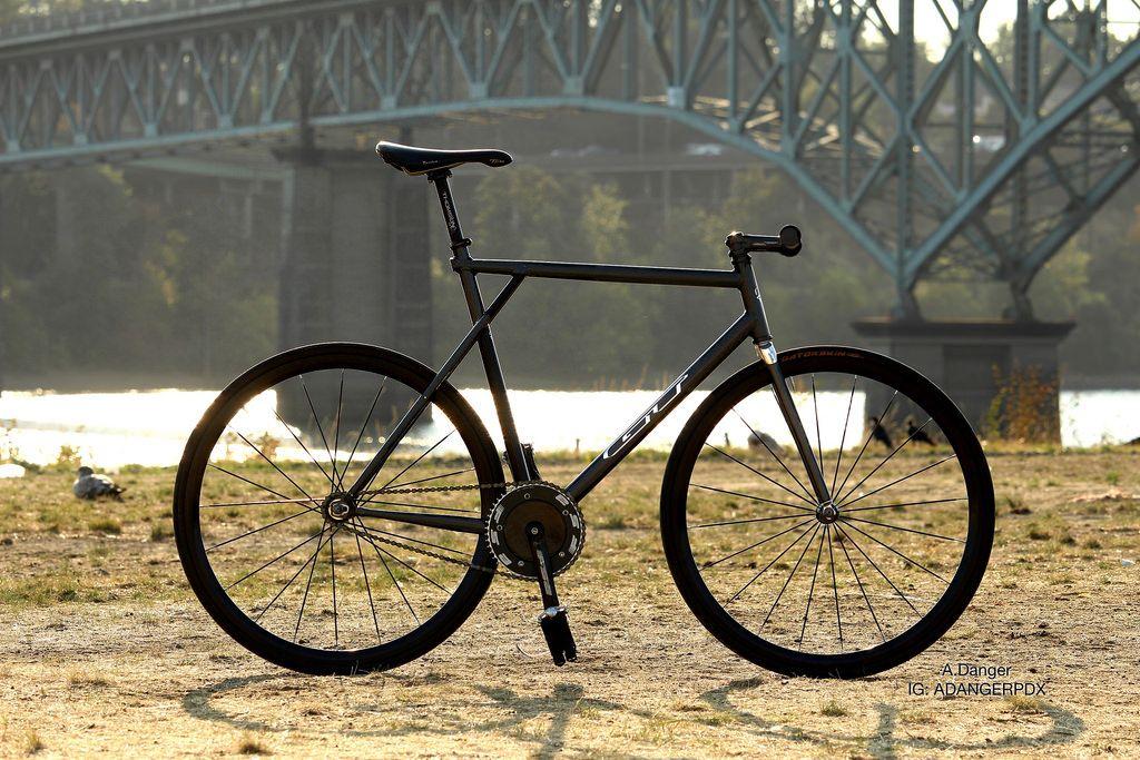 Amy Danger\'s black GT fixie with carbon fiber Zephyr track fork ...