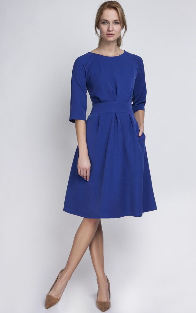 This dress is so comfortable and easy to wear. We love the pockets which  makes the whole look seem effortless yet The dress has a zip on the back so  it is ... f76b550bc
