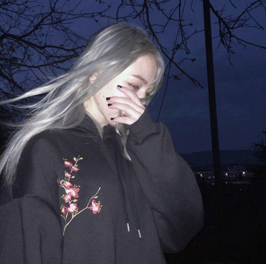 Brxkensavvi girl tumblr cute
