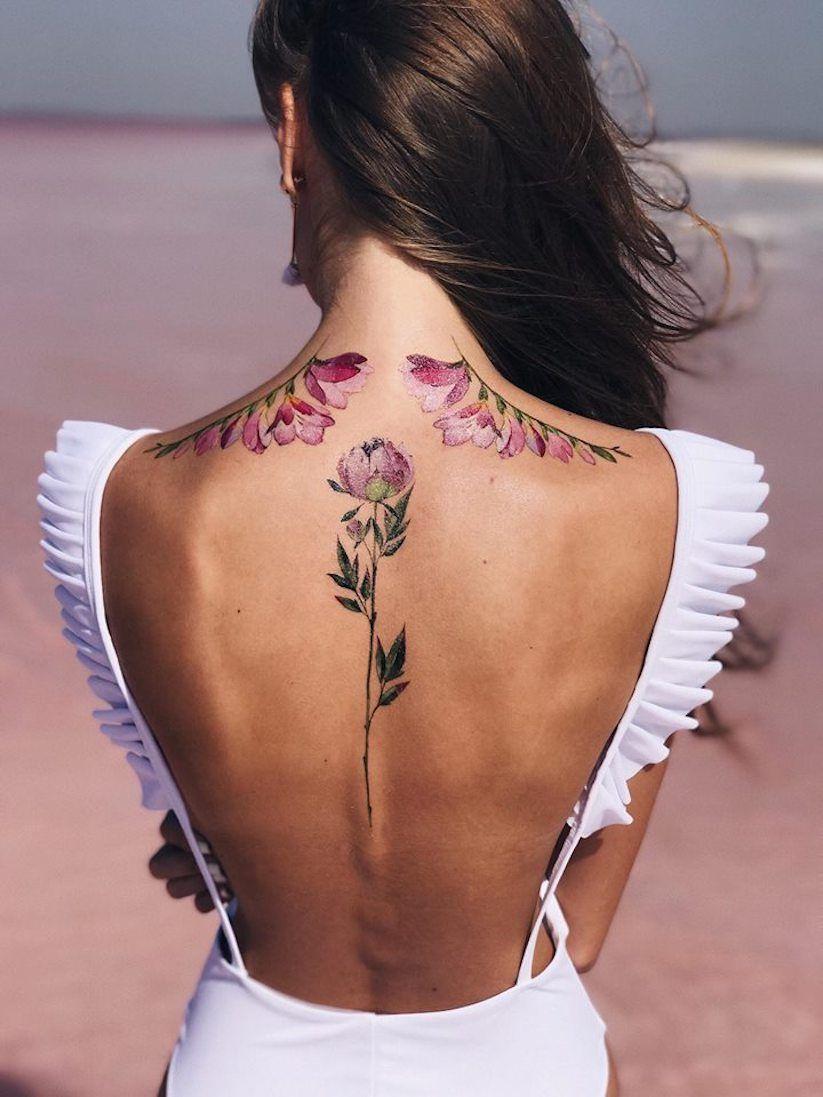 Künstlerin Pis Saro entwirft bezaubernd florale Tattoo Designs ...