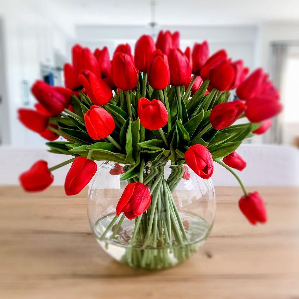 Luxury Faux Tulips Arrangement In 2020 Tulips Arrangement Tulip Decor Flower Decorations