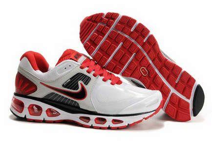 brand new 46b01 c52bb Hommes Nike Air Max 2010 20K Running Chaussures - (White) Blanc (Red) Rouge  (Black) Noir