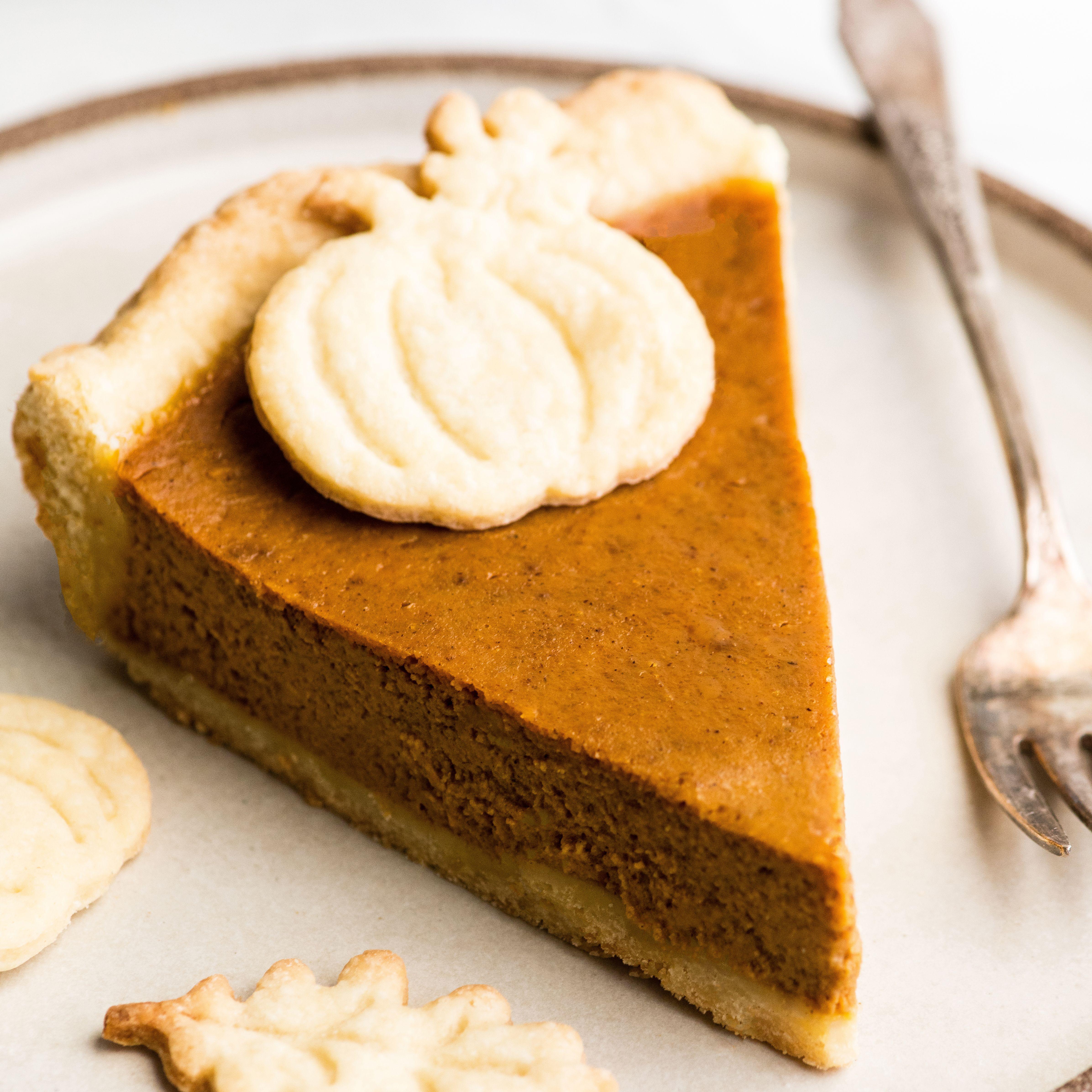 The BEST Pumpkin Pie Recipe (from scratch)