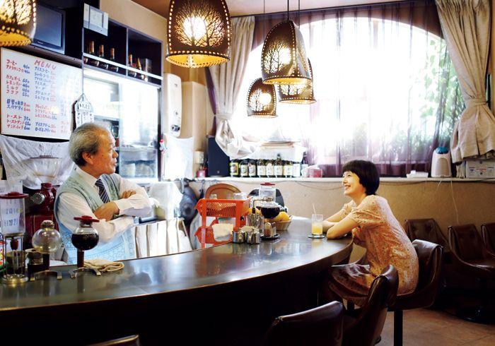 毎号 気になる喫茶店へ出かけ マスターのこだわりを得意のイラストで図解します 今号は 東京 石神井にある とってもチャーミングな喫茶店 サイフォン珈琲リリー へ 喫茶店 菊池亜希子 レトロ カフェ